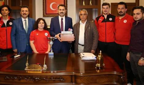 Belediye Plevnespor masa tenisi takımı birinci ligde