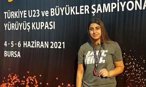 Rabia İçli Atletizm Şampiyonası'nda Türkiye İkincisi Oldu